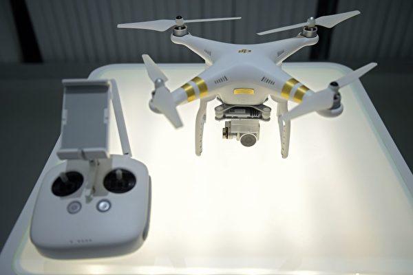 國土安全部5月20日對中國製造的無人機發出警報,建議美國企業斷開無人機設備的互聯網連接設置,並移除安全數字卡。(NICOLAS ASFOURI/AFP/Getty Images)
