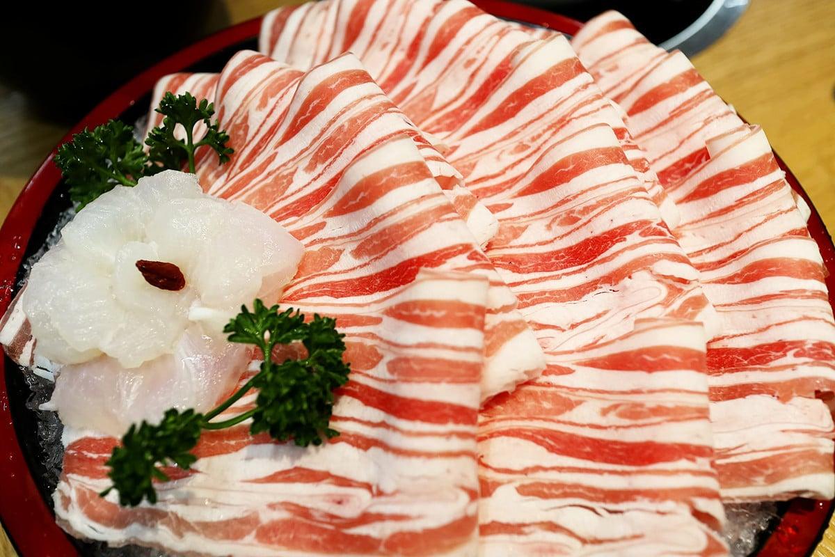 大陸羊肉價格連漲9周,每公斤漲破80元人民幣。圖為羊肉片示意圖。(Shutterstock)