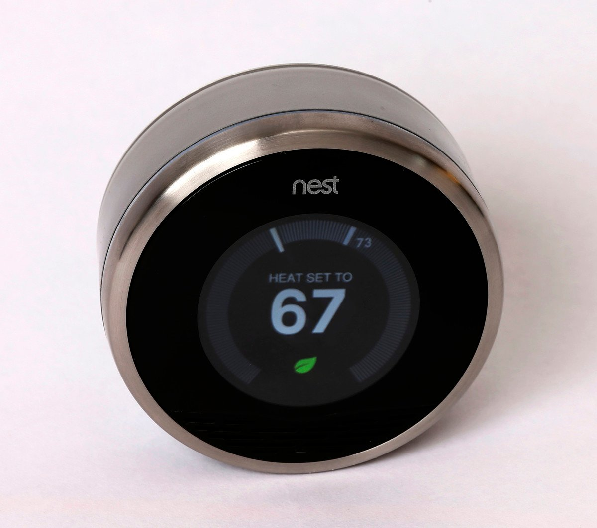 彭博社援引消息說,谷歌公司將主機板和Nest恆溫器等硬體的生產從中國移往台灣等地。圖為2014年1月16日,安裝在美國猶他州谷歌某地的Nest恆溫器。(George Frey/Getty Images)