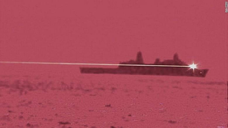 太平洋艦隊測試激光武器系統展示機(LWSD),成功擊落了空中的無人機。(美國海軍提供)