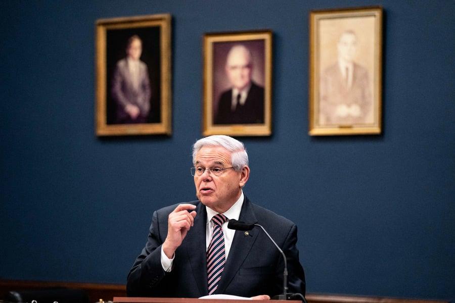 美參議員:外交不對等 應驅逐300名俄外交官