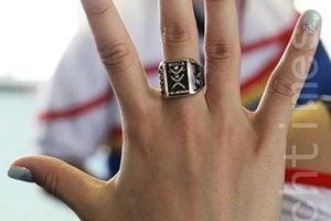 美海關查獲144枚山寨冠軍戒指 皆來自大陸