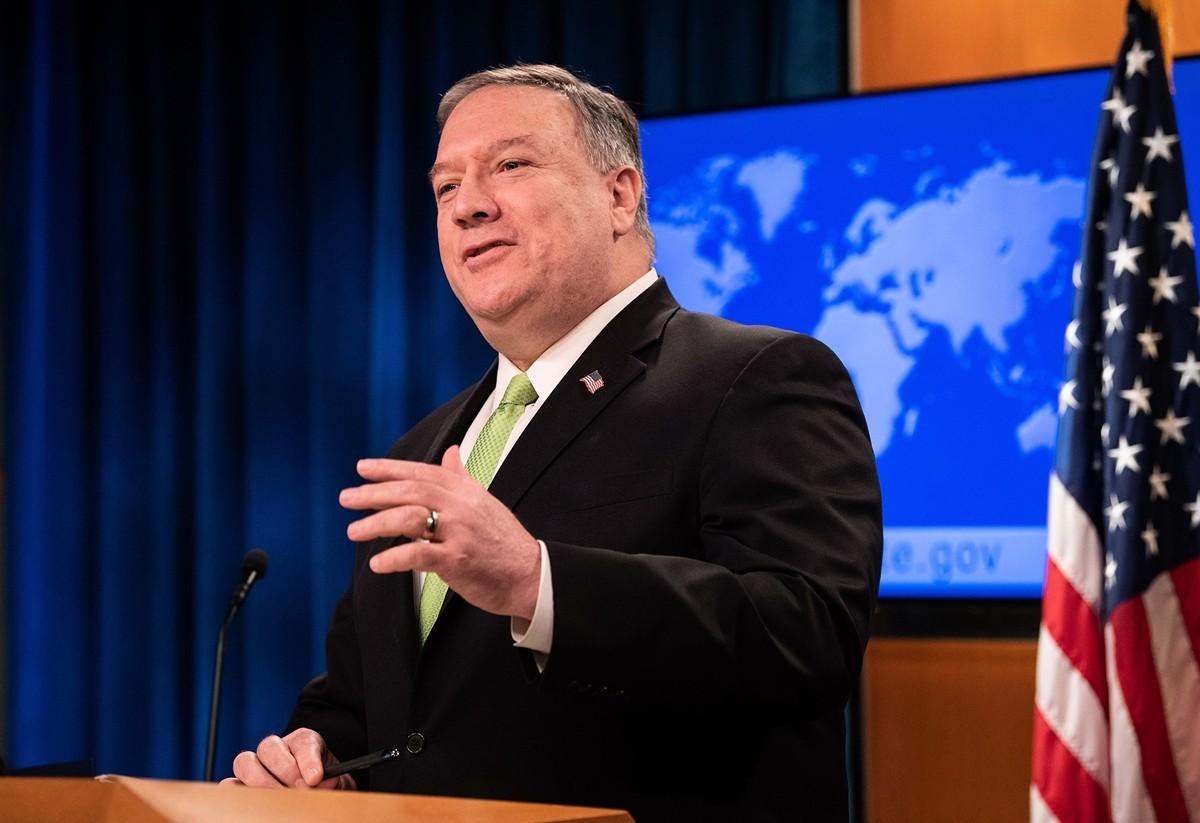 圖為美國國務卿蓬佩奧(Mike Pompeo)2020年5月20日在國務院的新聞簡報會上。(NICHOLAS KAMM/POOL/AFP via Getty Images)