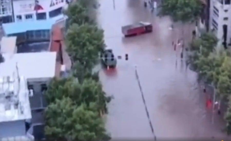 【一線採訪】山西洩洪沖毀堤壩 村民逃難