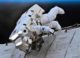 章家敦警告中共太空野心:與北京合作很可怕