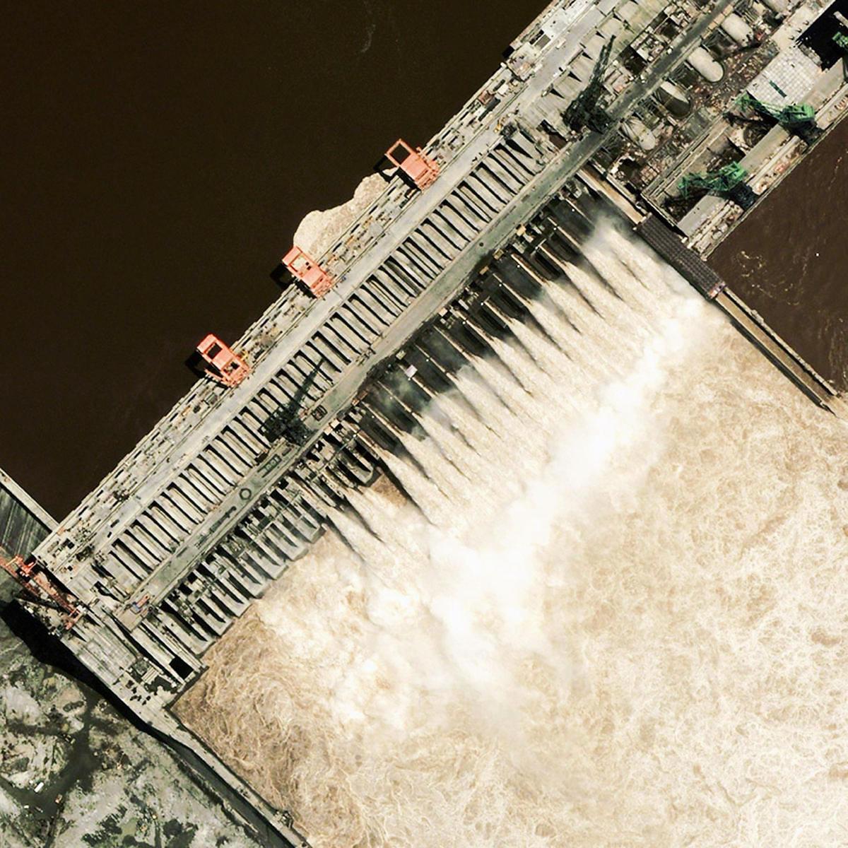長江三峽大壩衛星圖像。(Getty Images)
