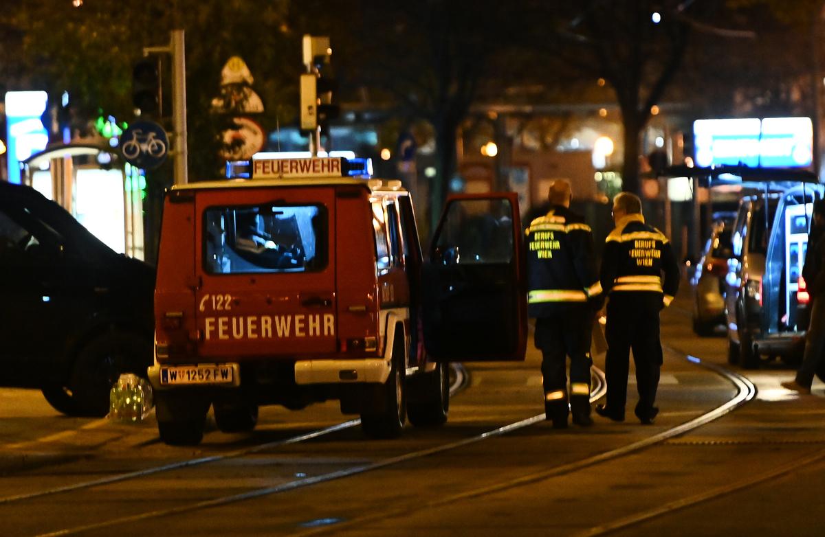 2020年11月2日晚上,維也納一間猶太教堂附近發生槍擊事件,造成多人傷亡。(Joe Klamar/AFP)