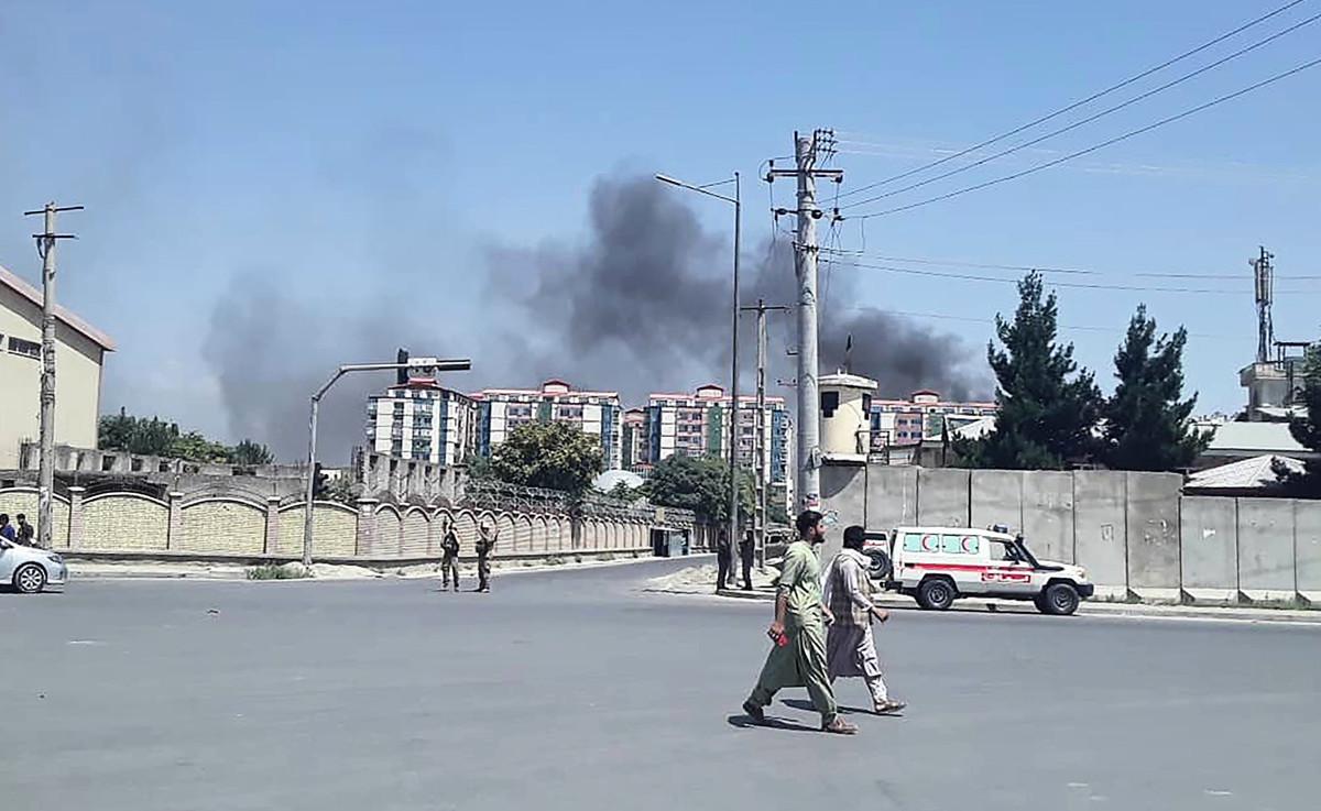 阿富汗首都喀布爾(Kabul)市中心區域7月1日發生一起大爆炸,據報事發地點就在外交使館區美國大使館附近。 ( STR / AFP)