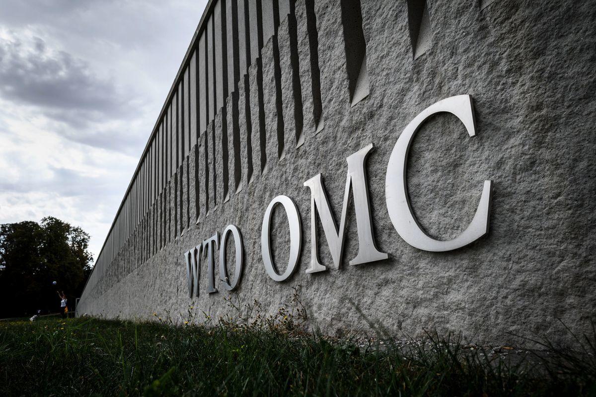 美國、歐盟和日本周二(1月14日)發佈聯合聲明,提出世貿組織(WTO)補貼規範六大改革方向,以遏制扭曲市場的補貼。此舉顯然是劍指北京的補貼措施。(FABRICE COFFRINI/AFP/Getty Images)