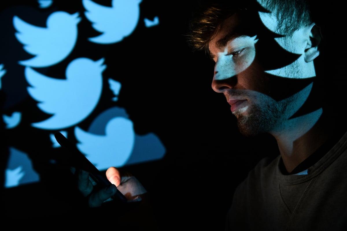經過兩周多的封號,推特終於在30日傍晚打開了《紐約郵報》的帳號。同一天早些時候CNN主持人建議《郵報》刪除關於拜登醜聞的推文。( Leon Neal/Getty Image)