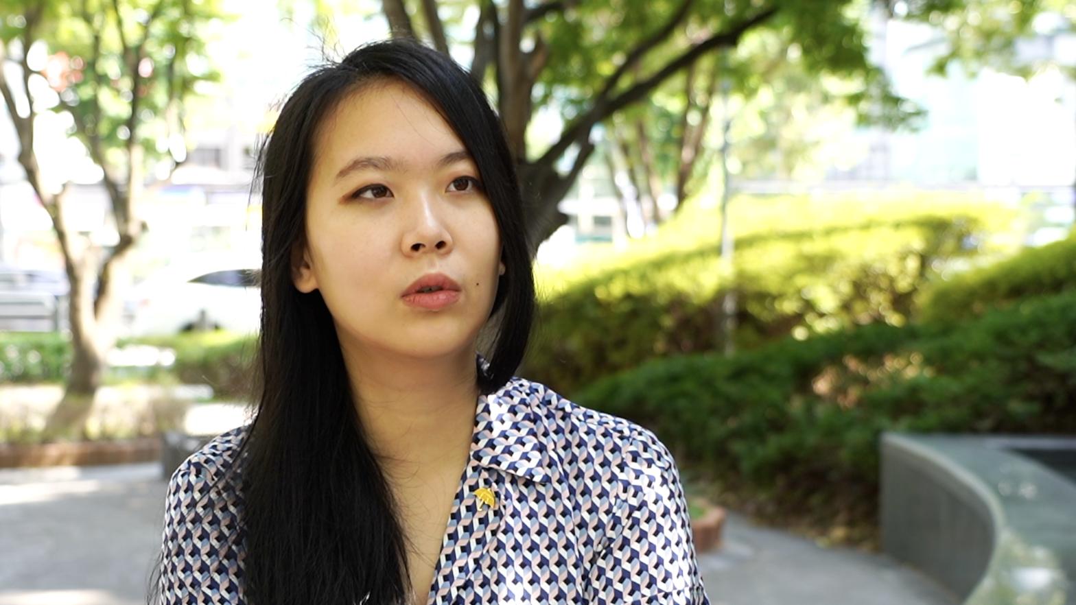 組織抵制《花木蘭》活動的南韓青年市民團體「世界市民宣言」共同代表李雪我接受本報記者採訪時表示,「香港警察踐踏人權,導致數百人受傷甚至出現死者,主演劉亦菲卻在社交媒體上表示支持港警,讓人無法理解。」同時對迪士尼面臨中共的人權鎮壓及屠殺行為視而不見的態度感到非常失望。(新唐人截圖)