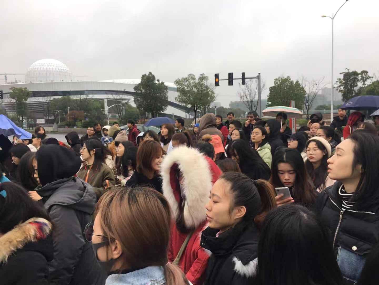 12月23日至25日,浙江紹興市的紹興文理學院元培學院數千名學生因學校改名換制發起抗議請願活動。(受訪者提供)