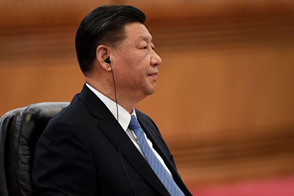 今年以來,中共高層各部門出現密集人事調動,其中中共國務院副秘書長一職更是「兩進三出」。圖為習近平。(NOEL CELIS/POOL/AFP via Getty Images)