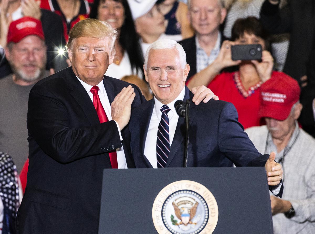 媒體稱特朗普質疑彭斯忠誠度,或為左派媒體分化特朗普政府的離間計。(Mark Wallheiser/Getty Images)