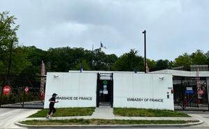 法駐美大使返回華府 核潛艇糾紛告一段落