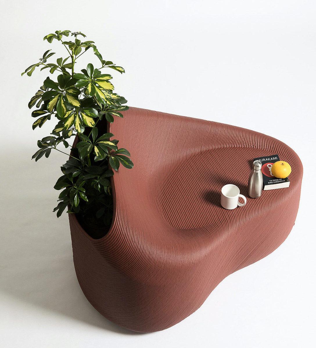 荷蘭的研究與設計工作室The New Raw可以將市民使用過的塑料垃圾,通過3D打印技術「升級」為時尚的城市傢俬。(Stefanos Tsakiris/The New Raw提供)