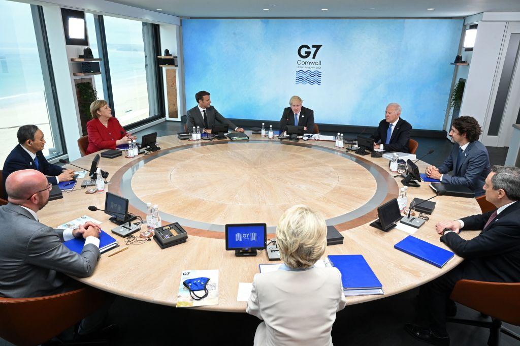 為期三天的G7峰會於6月11日在英國康和郡拉開帷幕。與會者包括七國集團領導人和歐盟領袖。(Photo by LEON NEAL/POOL/AFP via Getty Images)