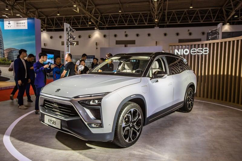 蔚來汽車3年多來虧損纍纍,其董事長兼CEO李斌發佈內部信,宣佈將在9月底前裁員至7,500人左右。(大紀元資料室)