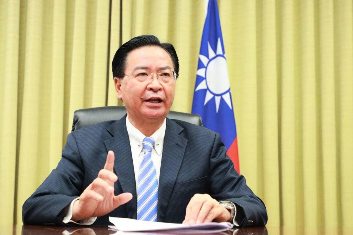 台灣外交部長吳釗燮接受外媒採訪指出,中國(共)似乎在準備向台灣發動最後攻擊(final assault)。(中央社)