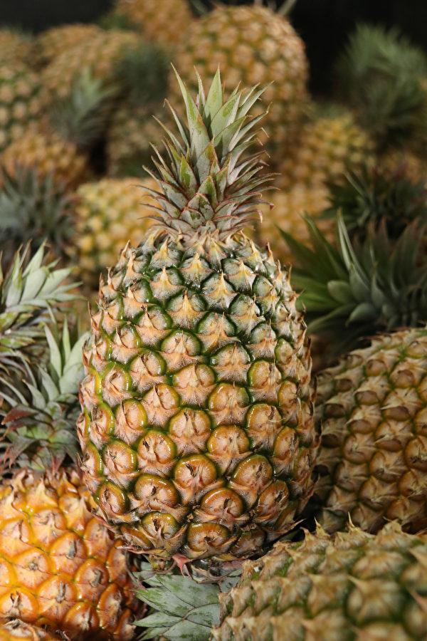 國產菠蘿鮮甜多汁。(農糧署提供)