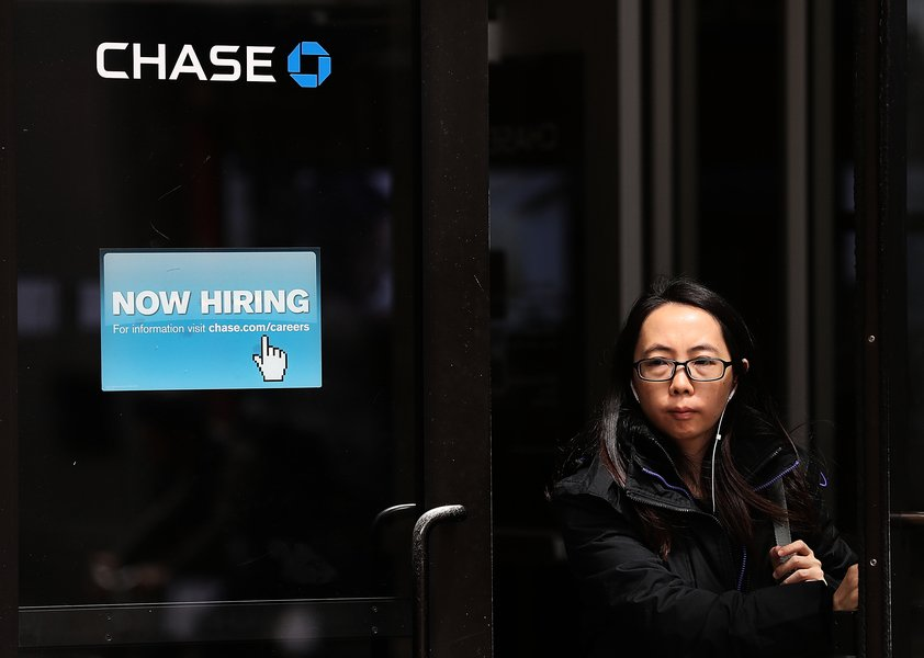 美8月新增137萬工作 失業率降至8.4%