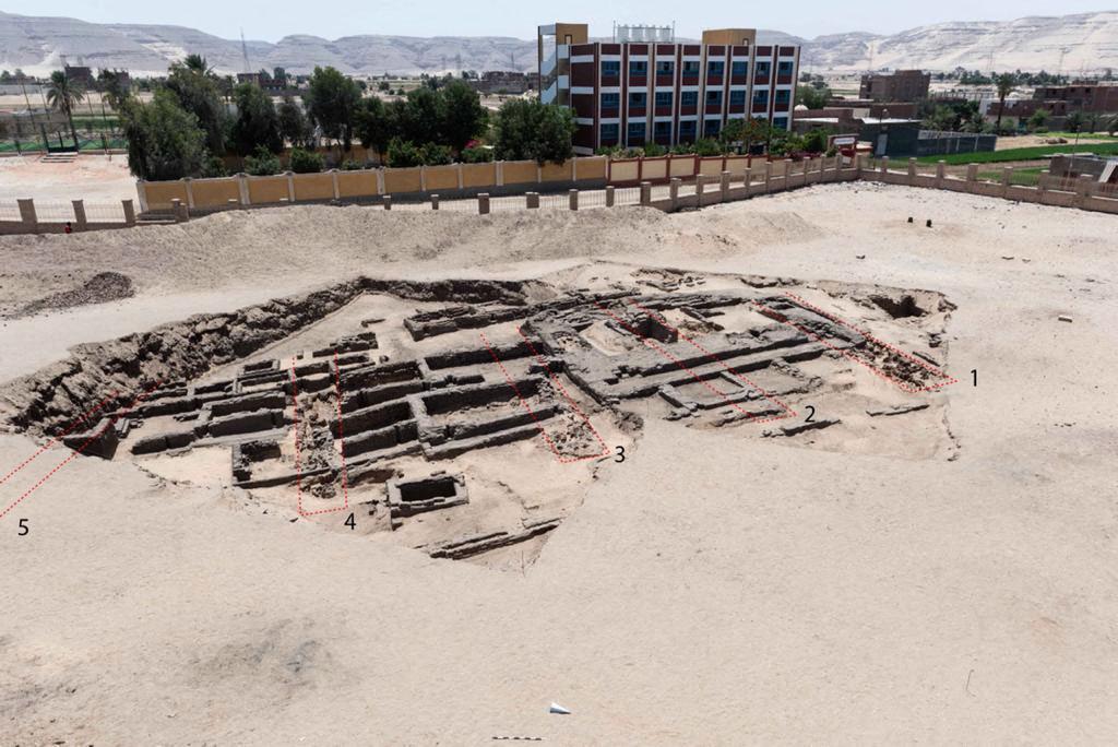 考古學家在埃及南部發現一座據信有5000多年歷史的啤酒廠。(Egyptian Ministry of Antiquities / AFP)