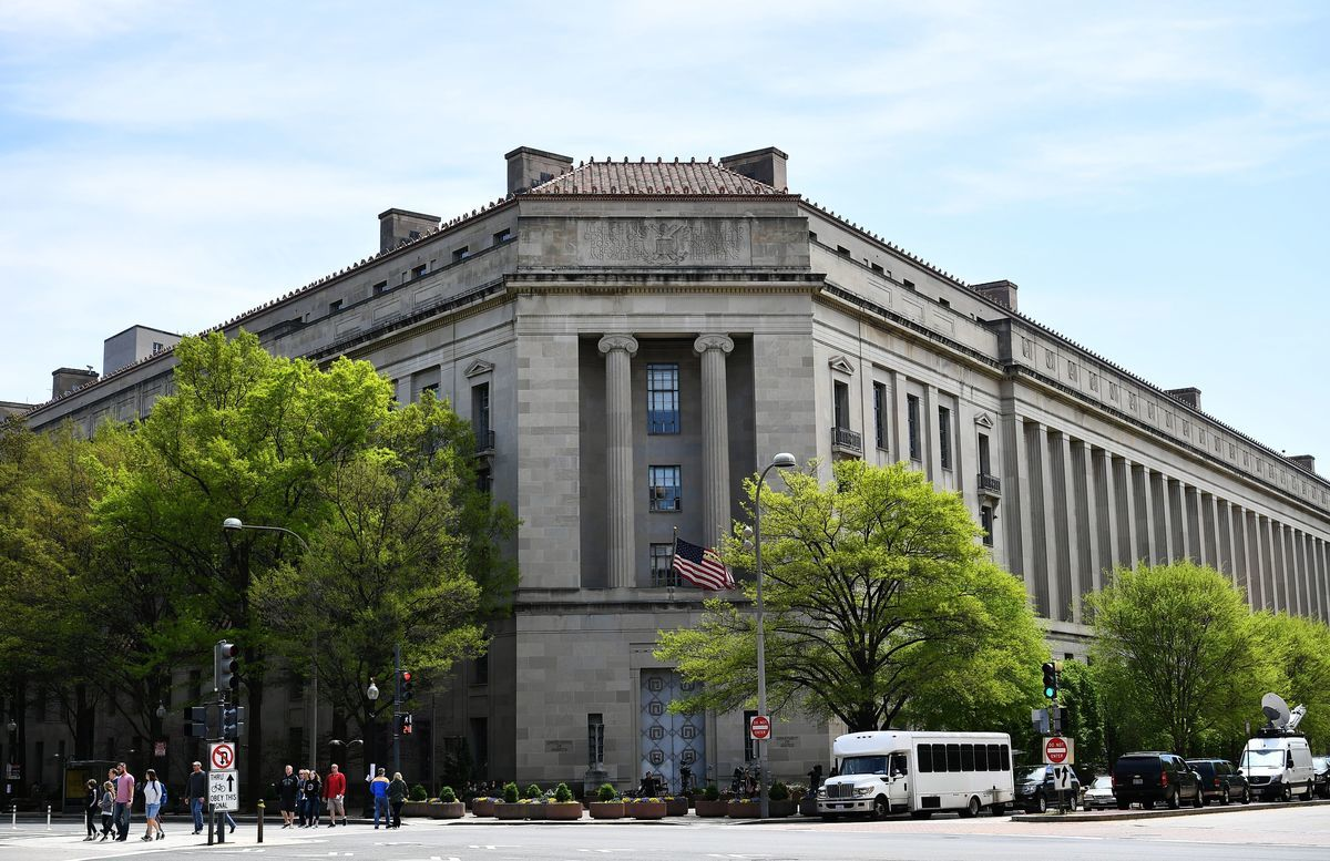 圖為美國司法部大樓。(MANDEL NGAN/AFP/Getty Images)
