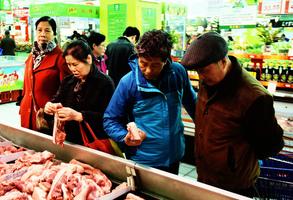 中共對美豬肉徵60%關稅 最終讓百姓買單