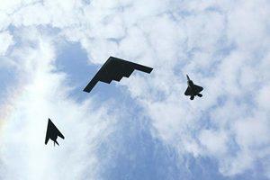 美國冷戰武器盤點:B-2隱形轟炸機