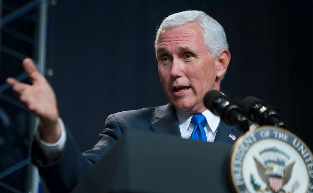 美國副總統彭斯2020年6月28日在德州達拉斯出席「慶祝自由集會」。他說在未來日子裏,「如果我們信靠和堅守神的意志,就將看到能讓我們走出這段困境的道路。」上圖僅為示意,非現場圖片。(Bill Ingalls/NASA via Getty Images)