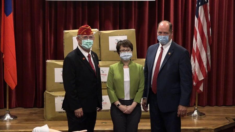 致贈口罩 台灣駐美代表蕭美琴華府首亮相