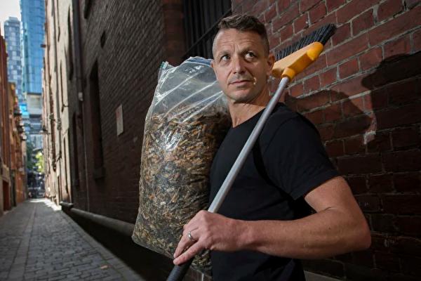 墨爾本「煙頭俠」 半年撿拾近五萬煙頭