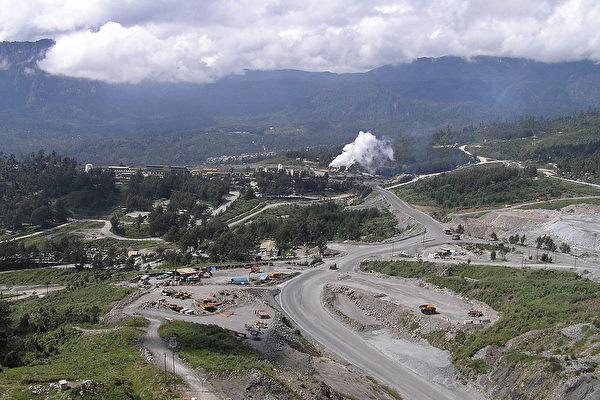 巴新政府拒絕波熱拉(Porgera)金礦開採權續約的申請,該礦由加拿大礦業公司巴裏克黃金公司(Barrick Gold)和中國紫金礦業集團的合資公司巴裏克·紐吉尼公司(Barrick Niugini Limited)經營的。(Deadstar/Wikimedia commons)