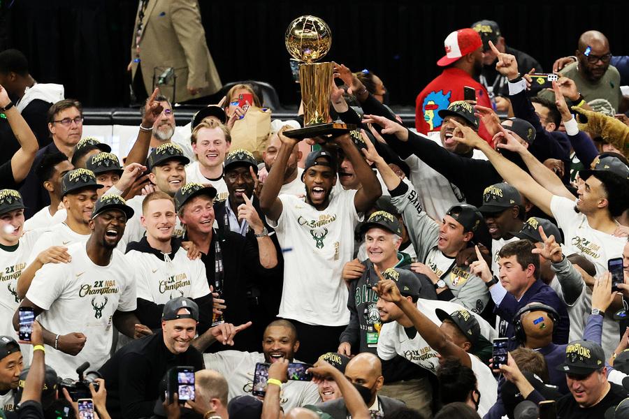 雄鹿4:2擊敗太陽 時隔50年再奪NBA總冠軍(多圖)