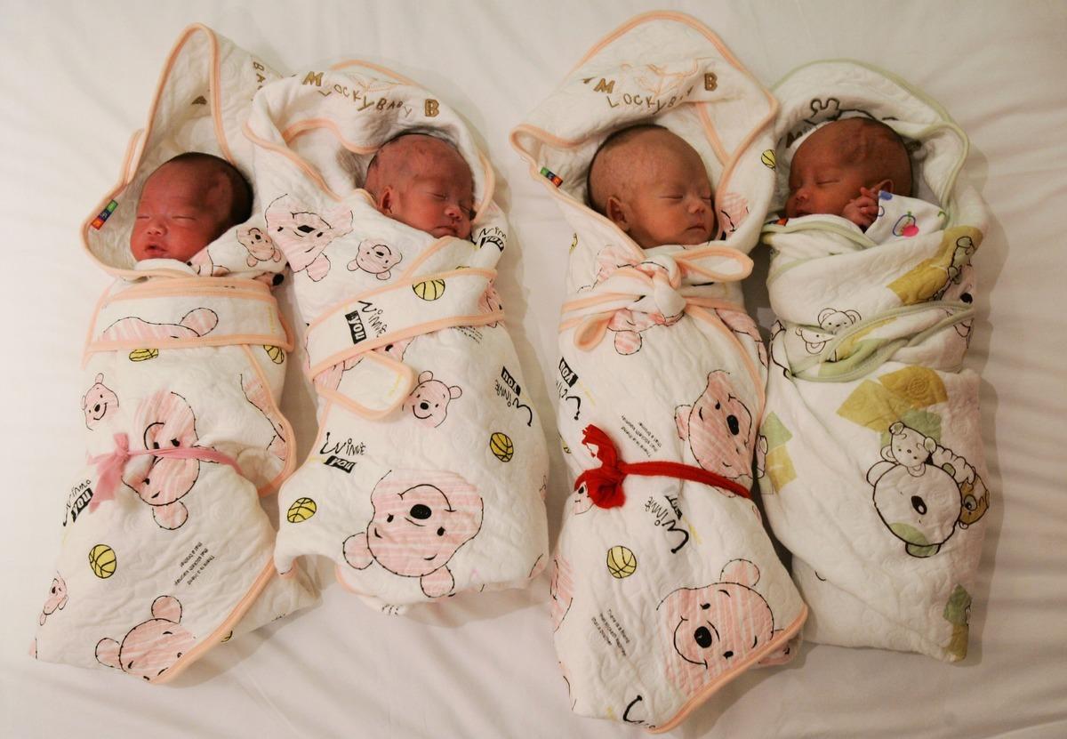 中共官方2018年的出生率是歷史新低。有民間機構估算,2019年出生人口數將再創1949年來最低。圖為新生兒。(China Photos/Getty Images)