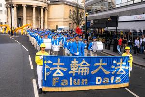 倫敦盛大遊行 32國法輪功學員籲停止迫害