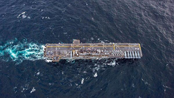 2021年9月13日,列根號航母離開後,兩棲攻擊艦埃塞克斯號(LHD 2)在阿拉伯海巡弋,成了美國海軍在中東的主力。(美國海軍)