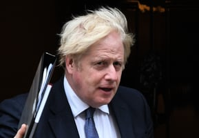 塔利班稱要和平不報復 英國首相:看其行動