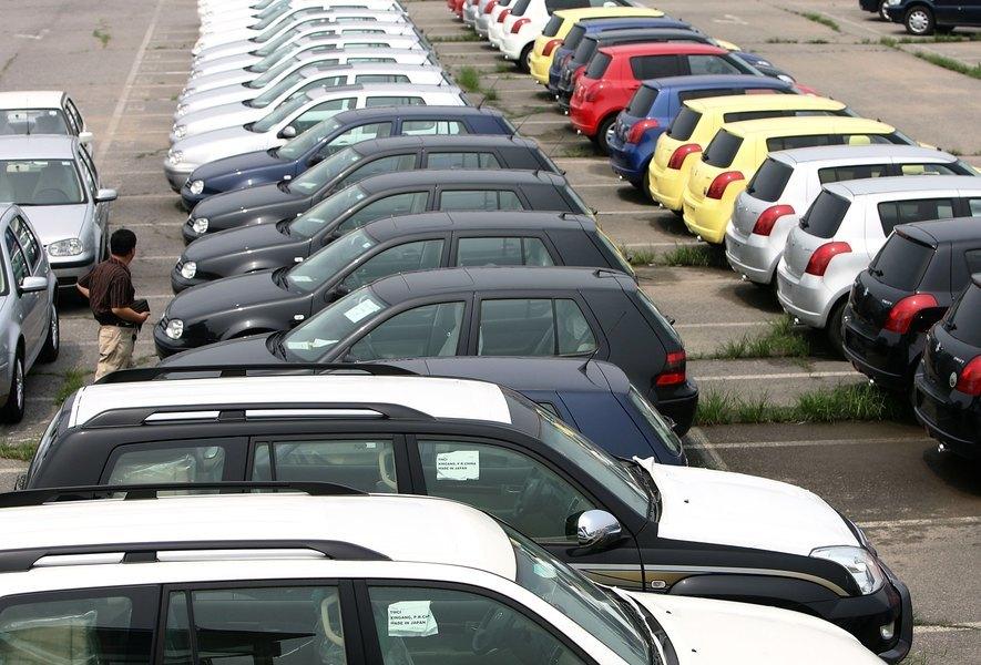 大陸53.5%汽車經銷商虧損 龐大集團虧60億