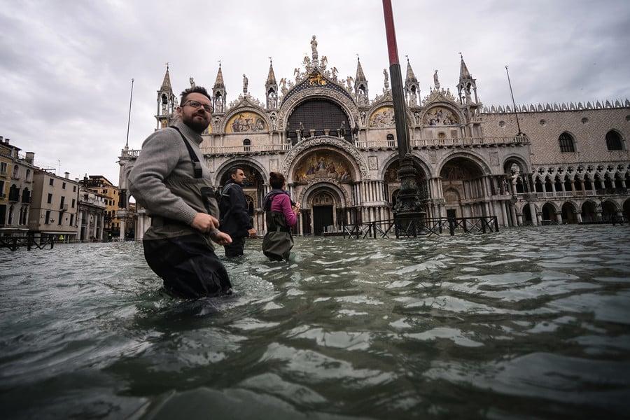 威尼斯遭50年來最嚴重水災 多處古蹟受損