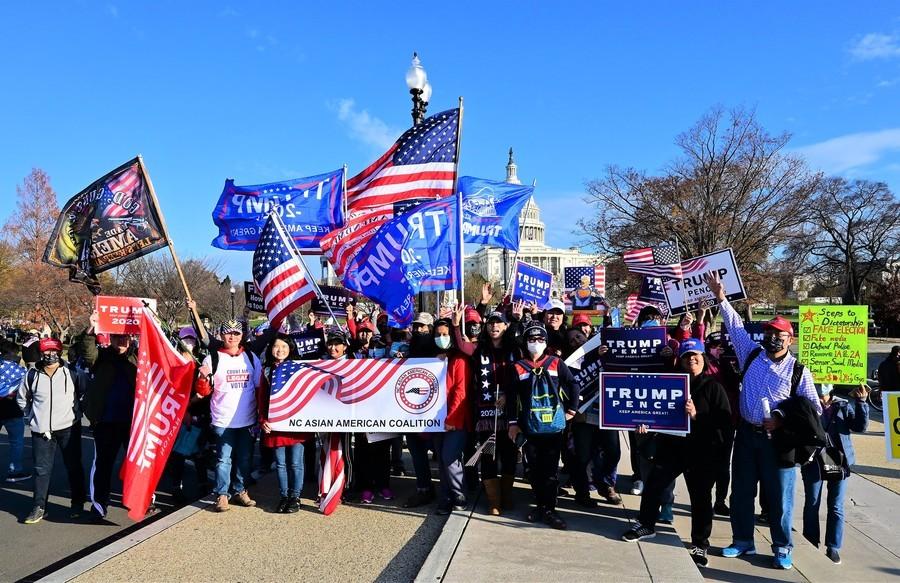 北卡華人赴DC支持特朗普 「有義務站出來」