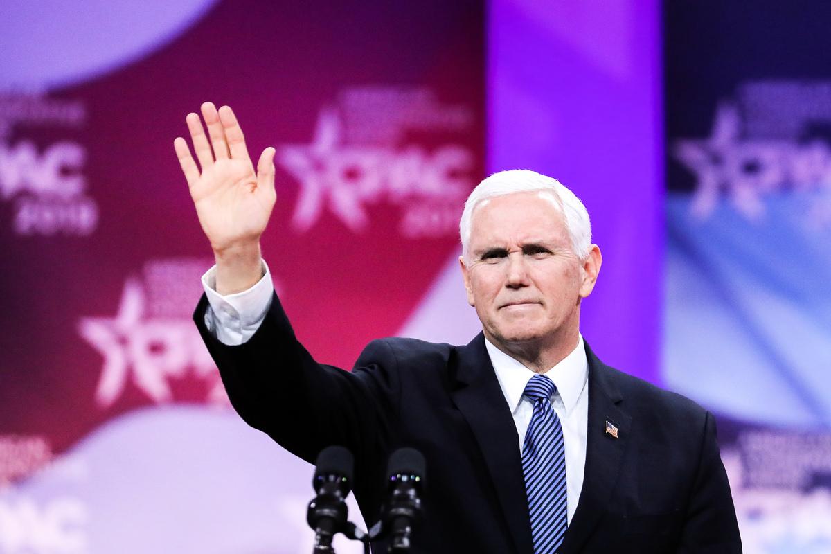 3月1日上午10點,美國副總統彭斯在2019年度美國保守派政治行動大會(CPAC)上演講,重申美國不搞社會主義。(Samira Bouaou/大紀元)