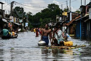 印度西孟加拉邦遭遇洪災 至少23死(多圖)