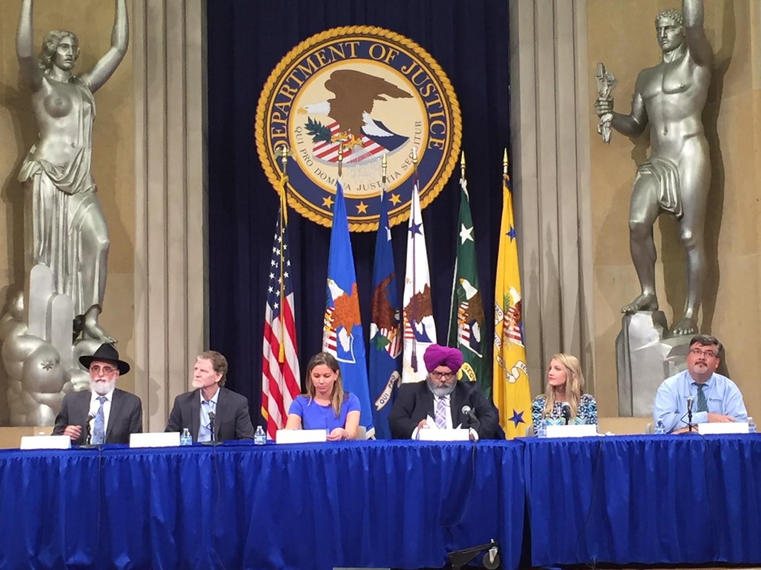 7月30日美國司法部舉辦宗教信仰自由峰會,司法部長塞申斯出席。圖為社會團體代表出席並發言。(許靜/大紀元)
