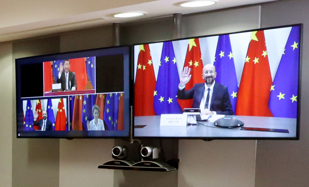 2020年6月22日,歐盟領導人與習近平和李克強舉行視像會談。 (YVES HERMAN/POOL/AFP via Getty Images)