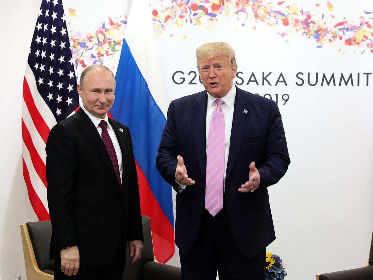俄羅斯總統普京12月29日向美國總統特朗普表示感謝。美國提供的情報使得俄羅斯成功抓捕計劃恐怖襲擊的疑犯。圖為2019年6月28日在大阪舉行的G20峰會上,特朗普與普京會面。(Mikhail KLIMENTYEV/SPUTNIK/AFP)