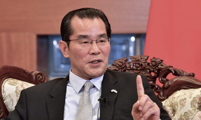 2019年11月15日,中國駐瑞典大使桂從友在瑞典斯德哥爾摩對媒體講話。(Jonas Ekstromer/TT News Agency/AFP via Getty Images)