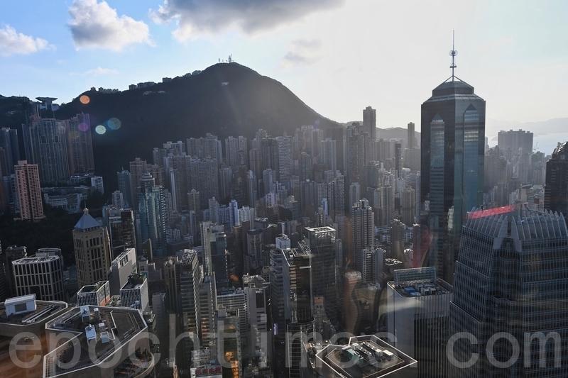 《港版國安法》實施後,不願遭中共打壓的香港人,在去年已將數百億美元轉移至加拿大,未來可能出現更大規模的移民與資金轉移浪潮。(宋碧龍/大紀元)