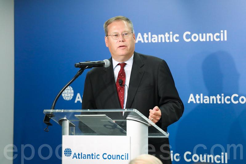 9月12日,美國前駐香港總領事唐偉康(Kurt Tong)在大西洋理事會(Atlantic Council)表示,除了《香港人權與民主法案》,美國可以採取更多措施來支持香港的發展、維護「兩制」。(林樂予/大紀元)