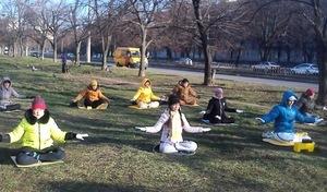 烏克蘭法輪功學員傳真相 疫情下多向神祈禱
